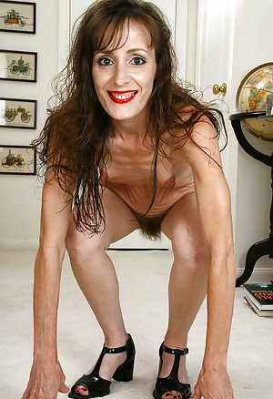 Mature old hairy pussy