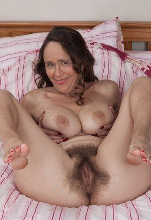 Valuable old mature hairy granny pussy understand