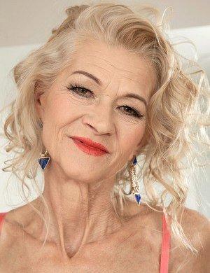 Mature older granny nude speaking, opinion